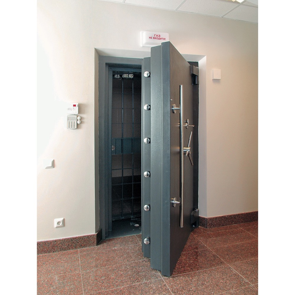 Двери для хранилищ  Паритет-К 11 класса